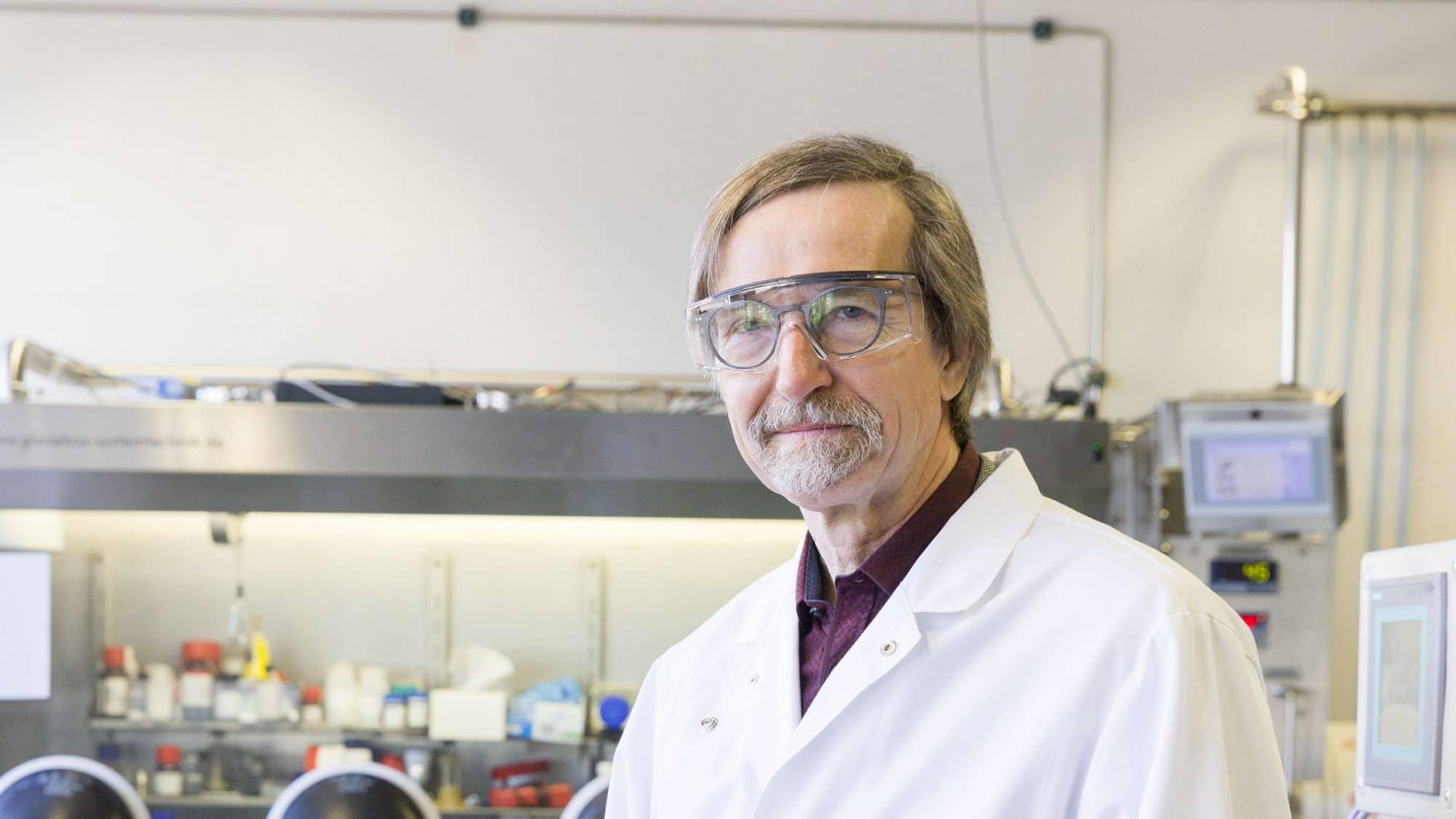Petr Novák, Spezialist für elektrochemische Speicher am PSI